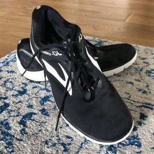 Brooks sneakers! So comfy, like new!